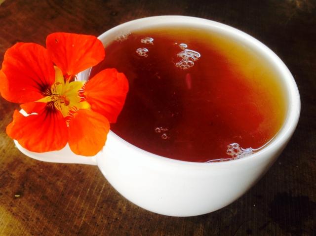 Poranek przy bialej herbacie u Marii Bucardi