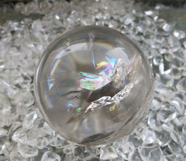 Na zdjeciu Krysztal gorski Kula do jasnowidzenia